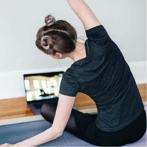 Musclée et affinée grâce à Internet
