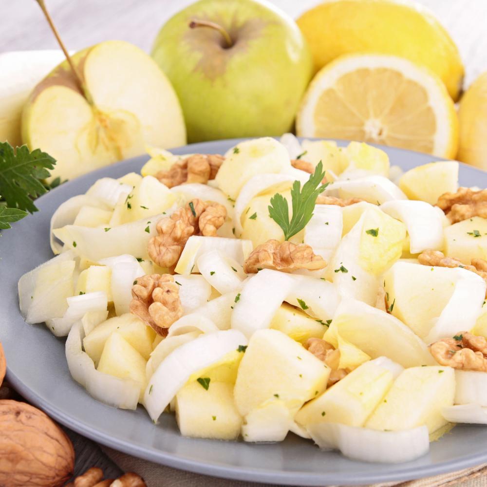 Salade d'endives, de pommes et de noix
